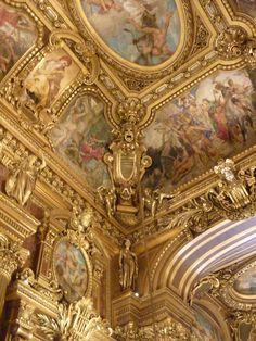 Image about beautiful in Gold / Aesthetic Golden 💰 by Lucian Gold Aesthetic, Angel Aesthetic, Baroque Architecture, Beautiful Architecture, Basilica San Pedro, Architect Logo, Architect House, Art Vintage, Renaissance Art