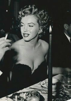 Marilyn at the Henrietta Awards, February 8, 1952.
