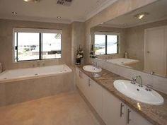 Classic bathroom design with recessed bath using chrome - Bathroom Photo 115599