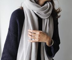 light grey & black | soft, pale grey scarf | luxurious, warm | + black, loose sweater top | minimal chic | fall/winter fashion | street style inspiration