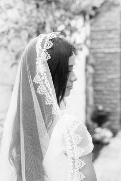 Dreamy veil: http://www.stylemepretty.com/little-black-book-blog/2015/06/23/romantic-wedding-inspiration-at-villa-san-juan-capistrano/ | Photography: Gregory Ross - http://www.gregoryrossblog.com/