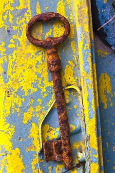 the forgotten key is waiting ... | Theophilos Papadopoulos