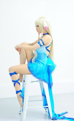 CHI!! This is a really good cosplay of her!