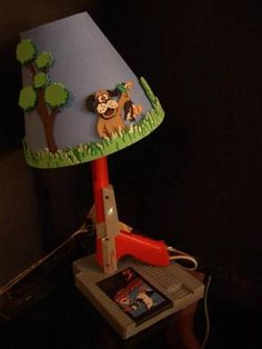 Duck Hunt Lamp Oh how the hubby would love this! Ha!
