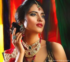 indian wedding makeup jewelry hair inspiration http://maharaniweddings.com/gallery/photo/4468