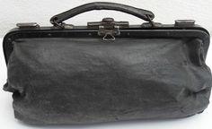 Vintage  Black Doctor  ~ Gladstone Style Bag