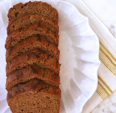 A Healthy and Quick Banana Bread For an On-the-Go Breakfast