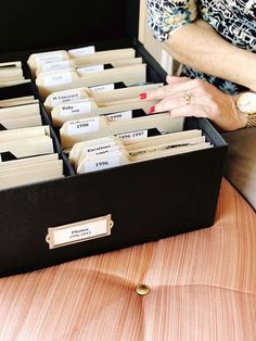 How to Organize your Photo Collection // Photo library organizing tips and strategies // Simply Spaced Organisation Hacks, Library Organization, Storage Organization, Organizing Tips, Organizing Paperwork, Project Life Organization, Scrapbook Organization, Organising, Picture Storage