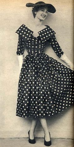 Retro Fashion 1950 Fashion - Lots of polka dots and wide brimmed hats, gloves, snug waistlines, cowl collars. Vintage Fashion 1950s, Fifties Fashion, Vintage Dresses 50s, Vintage Couture, Retro Fashion, Vintage Outfits, Womens Fashion, 1950s Dresses, Dots Fashion