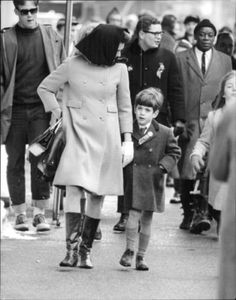 Jacqueline-Kennedy-with-son-John-F-Kennedy-Jr-8x10-photo