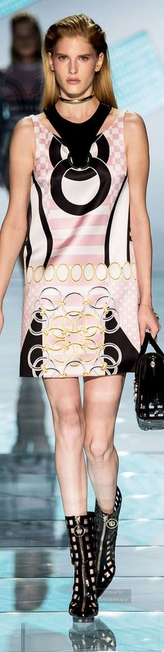 Awesome Versace Spring Versace.Spring 2015.... Check more at http://24shopping.gq/fashion/versace-spring-versace-spring-2015-5/