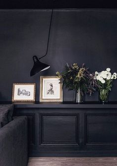 This year, we've seen many dark interiors become an inspiration in the design industry. More and more designers are becoming confident in using dark paint colours and prints in their projects. For lots of homeowners, this is turning out to… French Mansion, French Apartment, Apartment Living, Black Rooms, Dark Walls, Dark Interiors, Home Interior Design, Interior Office, Interior Sketch