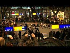 Flashmob Hauptbahnhof Berlin Staatsballett Berlin | Flashmob Mainstation Berlin Staatsballett Berlin