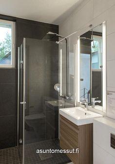 Lammi-Kivitalo Validus Motus - Kylpyhuone   Asuntomessut Bathroom Lighting, Bathtub, Mirror, Frame, Furniture, Home Decor, Bathroom Light Fittings, Standing Bath, Picture Frame