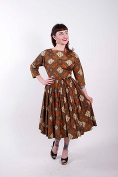 50s Vintage Dress Brown Orange Mid Century Print 1950s Vintage Dress with Full Gathered Skirt Size Medium