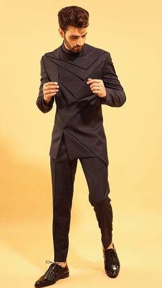 10c358f7 Mens Indian Wear, Mens Ethnic Wear, Indian Men Fashion, Indian Groom Wear, Mens  Fashion Suits, Blazer For Men Wedding, Wedding Men, Mens Traditional Wear,  ...