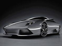 Lamborghini Murcielago LP640 Specjalnie przeprojektowana wersja popularnego Lambo wykonana przez konstruktorów z Lamborghini Style Center. Poprawiony model wyposażony został w silnik o mocy 640 KM. W ciągu dwóch lat, z taśm produkcyjnych zjechało blisko 3 tysiące sztuk Murcielago LP640, który jest w stanie rozpędzić się do prędkości 340 km/h, osiągając 100 kilometrów na godzinę w czasie 3,8 sek.