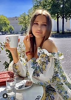 Sweet Coffee, Hot Coffee, Good Morning Coffee, Coffee Break, Beautiful Girl Image, Gorgeous Women, Mermaid Drink, Miss Pageant, Open Back Maxi Dress