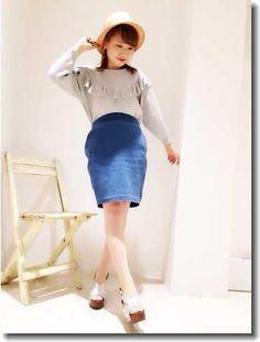 フリルトップにデニムスカート ♡10代のファッション スタイルの参考コーデまとめ♡
