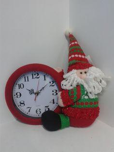 Reloj decorativo navideño Papa Noel. #DecoracionNavidadMedellin #Navidad2013