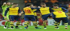 Arsenal Lolos Ke Fase Gugur Setelah Kalahkan Galatasaray. Bermain di hadapan pendukung fanatik Galatasaray, tak membuat Arsenal kikuk dan justru mengambil