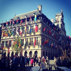 See 3960 photos and 61 tips from 127284 visitors to Antwerpen. Four Square, Times Square, Travel Around Europe, Louvre, Traveling, City, Building, Beautiful, Travel