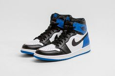 #fragmentdesign x #AirJordan1  Here we take a first impression of the shoe – which looks classic as ever with its black, white and 'fragment' blue upper. This iteration remains true to the hallmark nine loop design, and uses plush premium leather throughout the sneaker for a lasting, durable sneaker that is sure to live beyond the era of its release. #AJ1 #Jordan #AirJordan