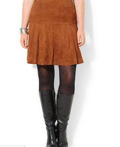 Prendas de otoño perfectas para lucir tus curvas: Falda de olan