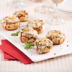 Gourmands, mais peu bourratifs, les champignons farcis sont parfaits pour ouvrir la soirée sans se couper l'appétit! Hors D'oeuvres, Tapas, Starters, Entrees, Stuffed Mushrooms, Brunch, Appetizers, Healthy Eating, Cooking Recipes