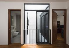 Image 3 of 14 from gallery of Airwell House / ADX Architects. Photograph by Edward Hendricks Modern Home Interior Design, Interior Architecture, Singapore House, Double Storey House, Narrow House, Small House Design, House Layouts, Home Fashion, New Homes
