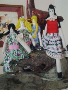 Muñecas de trapo tradicionales realizadas por Neyezca Cedeño