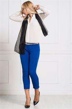 İRONİ DAR PAÇA SAKS PANTOLON Capri Pants, Fashion, Moda, Capri Trousers, Fashion Styles, Fashion Illustrations
