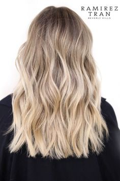 Ramirez tran salon blonde in 2019 hair, balayage hair, cabello hair. Blonde Hair Looks, Brown Blonde Hair, Blonde Honey, Blond Hair Highlights, Balayage Hair Blonde Medium, Fall Highlights, Blonde Hair Care, Honey Balayage, Hair Color Balayage