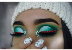 """946 Likes, 1 Comments - Ari-no (@diverse.makeup) on Instagram: """"I love Christmas makeup omg I want to try this look - @makeupbykc_"""""""