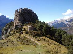 - En la provincia de Huesca se encuentra el pueblo de Tella, del cual se cuenta que era uno de los lugares preferidos por las brujas para realizar sus rituales, hechizos y aquelarres. Se encuentra ...