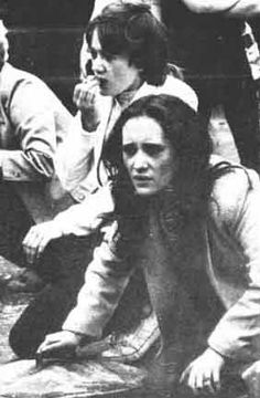 Belfast Women banging out the news of the death of one of the Hunger Strikers. This image was later used by mural artists to depict women in the struggle.