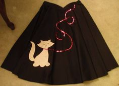 50 Projects us in the 50 Projects 2011 - MISCELLANEOUS TOPICS - Time to get motivated! This craftalong is all about the goal to make 50 projects in the new year Everyone post your lists and crafty plans if y Poodle Skirt Costume, Poodle Skirt Outfit, Poodle Skirts, 1950 Outfits, Vintage Outfits, Fashion Outfits, Clothing Patterns, Dress Patterns, Sock Hop Party