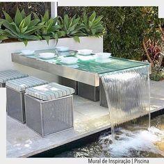 Inspiração para uma mesa à beira da piscina. Assim é demais!!!! arqdecoracao arqdecoracao @arquiteturadecoracao @acstudio.arquitetura #adpiscina #piscina ##interiores #design #home #world #perfect #photooftheday #instago #decoracao #