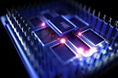 Dans l'informatique quantique, l'heure des grandes manœuvres a sonné  http://curation-actu.blogspot.com/2018/01/dans-linformatique-quantique-lheure-des.html