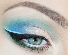 Stylowy makijaż: niebieska linia (WIDEO) - Artykuł