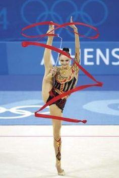Rhythmic Gymnastics I think is cray I do artistic witch is so fun! Sport Gymnastics, Artistic Gymnastics, Olympic Gymnastics, Rhythmic Gymnastics, Gymnastics Equipment, Body, Ribbon Dance, Contortion, Summer Olympics