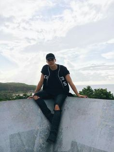 Zabdiel in puerto rico Cnco Cute Celebrity Guys, Cute Celebrities, Cnco Band, Boy Bands, Sam Smith, Puerto Rican Men, Puerto Rico, Memes Cnco, Jesus Wallpaper