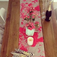 Tie dyed table runner neon pink burlap DIY paint flicks or sponging?- maybe in a turquoise or teal?