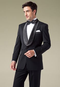 This basic full-dress tailored tuxedo should be a wardrobe staple because it can be worn in any occasion.