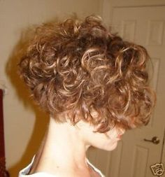 Hair Growth Tips. Hair Thinning Tips You Can Start Doing Today. Knowledge about hair thinning can help you learn what's happening and how you can manage it. Short Curly Hair, Short Hair Cuts, Curly Hair Styles, Thin Hair, What Causes Hair Loss, Bob, Hair 2018, Pastel Hair, About Hair