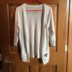 Button Up 3/4 Inch Sweater EUC! Great for any season! Hollister Sweaters Cardigans