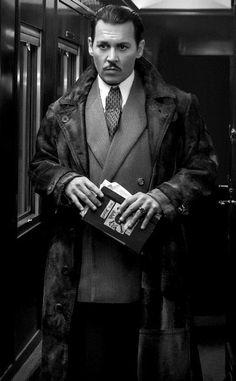 JCD II : Johnny Depp - edit © promo 2017 - Murder on the Orient Express