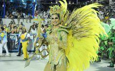 Destaque da Unidos da Tijuca durante apresentação no Rio de Janeiro