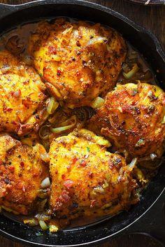Easy Oven Roasted Ch Easy Oven Roasted Chicken with Bacon in. Easy Oven Roasted Ch Easy Oven Roasted Chicken with Bacon in White Wine Sauce - family friendly weeknight dinner recipe. Roast Chicken With Bacon, Oven Roasted Chicken Thighs, Baked Ranch Chicken, Chicken Thigh Recipes, Pork Roast, Roast Gravy, Roast Brisket, Recipe Chicken, Turkey Recipes