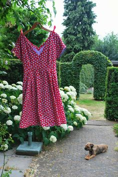 Foxgloves and thimbles: The Berry picking dress